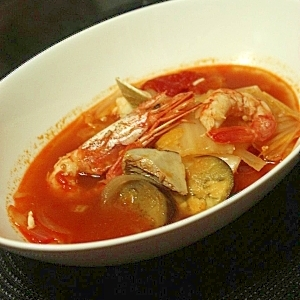 ブイヤベース風?!お野菜たっぷりトマト鍋