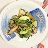 ズッキーニ、椎茸、豆苗の炒め物