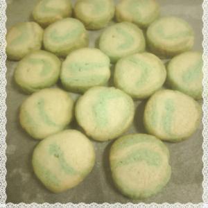 かき氷シロップで2色のアイスボックスクッキー