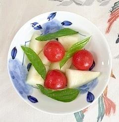 瓜とミニトマトのバジルサラダ