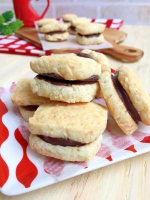 卵バター不使用♪バニラ香る♡チョコサンドクッキー
