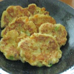 簡単!混ぜて焼くだけ☆豆腐とツナのカレー風味お焼き