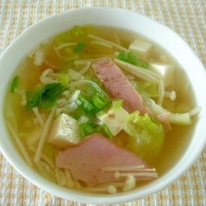 レタスとベーコンと豆腐のスープ