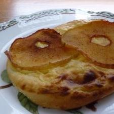 リンゴとカスタードのデザートピッツァ☆彡