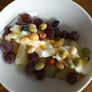 グレープ&グレープフルーツの煎り豆ヨーグルト