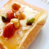 【簡単】カフェ気分♪バター&ハニーナッツトースト