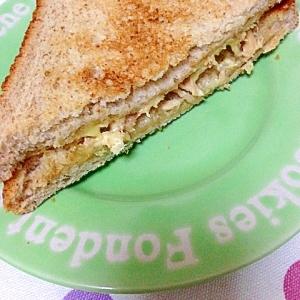 ツナ&チーズのホットサンド♪