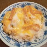 刻み揚げとネギの卵とじ丼