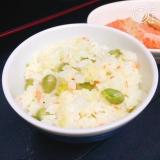 えんどう豆と鮭の洋風混ぜごはん
