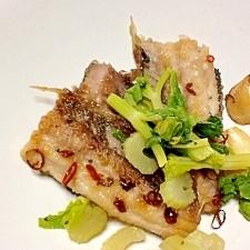 ピリッと辛め☆秋刀魚のニンニクと鷹の爪焼き
