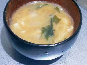 玉ねぎワカメ油あげの簡単味噌汁