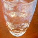 ☆ウィスキーとレモンとホワイトラム酒のカクテル☆