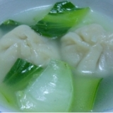 水餃子と青梗菜のスープ
