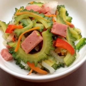 ゴーヤとスパムと残り野菜の炒め物