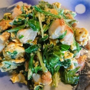 鳥とサラダ水菜の卵とじ