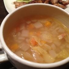 野菜のうまみがしみでてます!野菜スープ