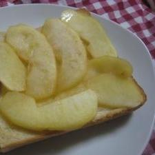 朝から栄養たっぷり♪ 干しりんごトースト