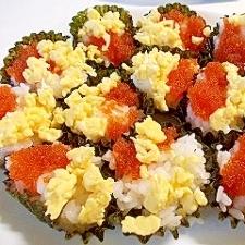 とびっこ&たまごそぼろ 寿司