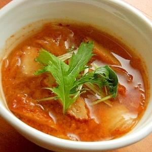 5分でヘルシー❤キムチの味噌汁♪(タマネギ揚げ)