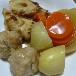 野菜とつくねの煮物