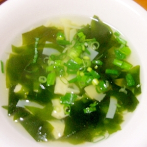 たけのことわかめの中華スープ