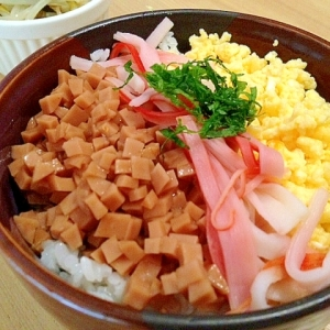 魚肉ソーセージで三食丼