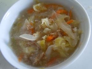 ひき肉とキャベツのコンソメスープ