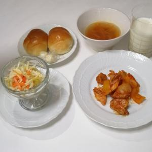 給食風!鶏肉パプリカ煮、スパサラ、コンソメスープ