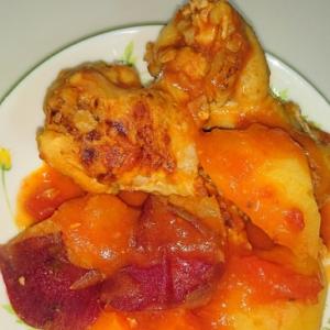 鶏手羽元と野菜のトマト煮込み