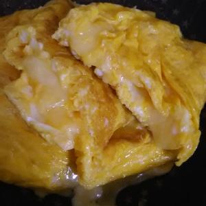 チーズたっぷり(^^)チーズオムレツ