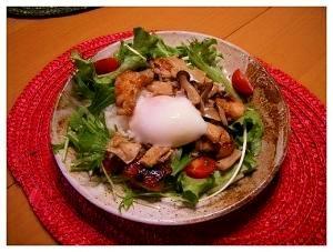 照り焼きチキンと温泉卵のカンタンワンプレートご飯