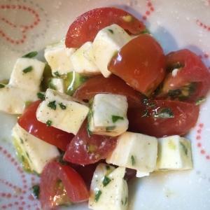 プチトマトで簡単カプレーゼ