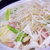 野菜たっぷり豚キムチ鍋