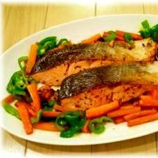 風味豊かな「鮭」が主役の献立