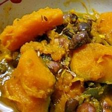南瓜と黒豆のカレー煮