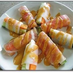 生ハムと生野菜のスパイシーマヨソース