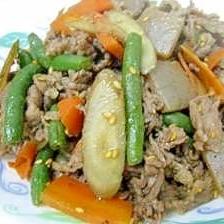 センイたっぷり!給食の味・牛肉とごぼうの炒め煮