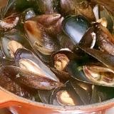 ムール貝のタラゴン風味ワイン蒸し