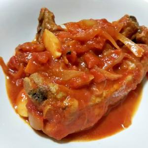普通の鍋でも簡単!スペアリブのトマト煮込み