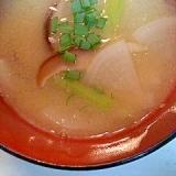 大根と大根葉・椎茸の味噌汁