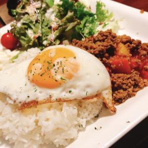 ひき肉ロコモコ丼