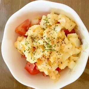 茹で卵のトマトサラダ