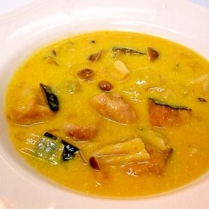 鶏がら塩糀スープの素で♪ 鶏肉と南瓜の豆乳スープ