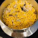 とうもろこしと秋刀魚缶詰の炊き込みご飯