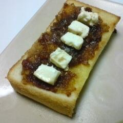 マンゴージャムとクリームチーズのトースト