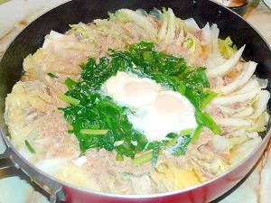 味噌仕立てで優しい味!ニラと白菜のミルフィーユ鍋!