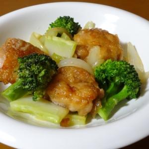 唐揚げ風鶏もも肉とブロッコリーの炒め物