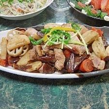 ぴりりと花椒★豚ロースと根菜のオイスターソース炒め