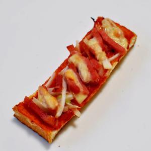 ショルダーベーコン&ネギdeキムチピザ風トースト