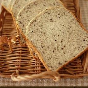 HB de プチプチ☆黒ゴマ食パン